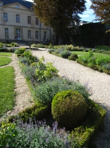 Parc de Sceaux: garden of the Petit Chateau